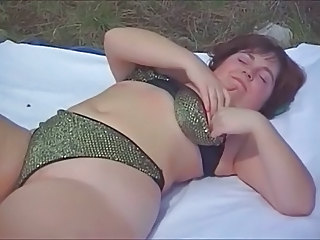 Eva - Young Chubby Outdoors