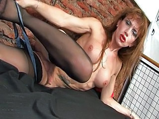 She cums into his mouth