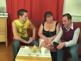 Threesome Old And Young BBW Bbw Mature Bbw Mom Giant