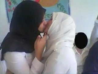 Kissing Amateur Arab Amateur Arab