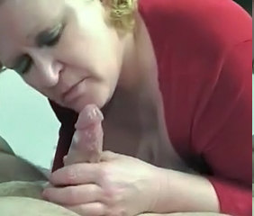 Mature Fanny finishes two guys
