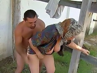 Natural Farm Outdoor Big Tits Farm Granny Young