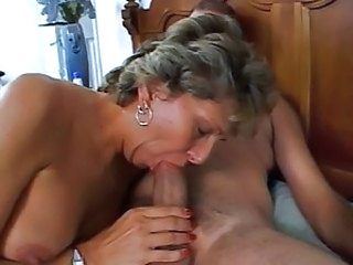 Old wife blowjob