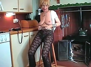 Big Tits Solo Kitchen Big Tits British British Tits