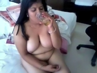 Drunk Mature Indian Aunt Aunty Big Tits