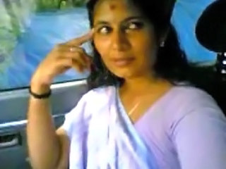 Kotse MILF Indian
