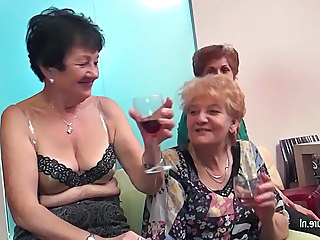 Drunk Groupsex Lesbian Lesbian Old Young Old And Young