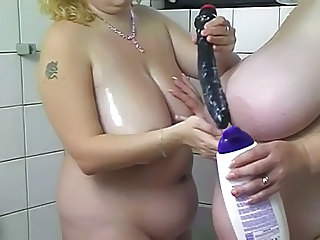 Showers Dildo MILF