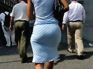 Big Booty In Tight Skirt