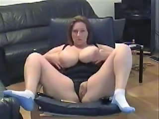 Layla 43 years cumming at home