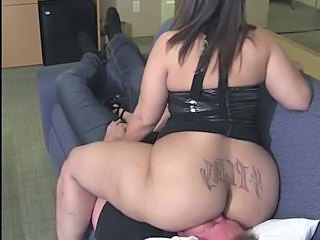 BBW FaceSitting (Huge Tattooed Ass)