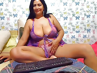 Latina Solo Masturbating
