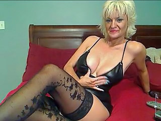 Nonude Mature Sexy In Panties Webcam