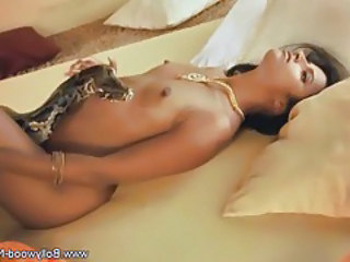 Small Tits Erotic Dancing Indian Babe Tits Dancing