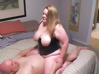 Sexy bbw takes a good pounding
