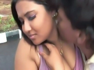 desibindian hottest boobs press outdoor