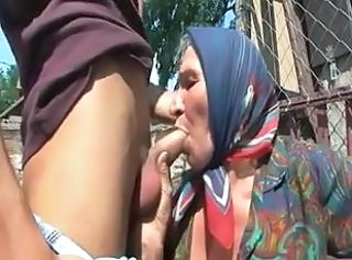 Farm Blowjob Mom Farm Granny Young Old And Young