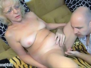 Nasty mature slut gets horny Sex Tubes
