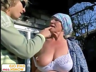Big Tits Mom Natural Amateur Amateur Big Tits Ass Big Tits