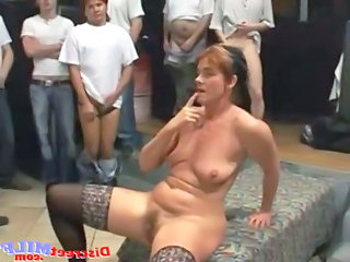 Sexy moms lesbien style