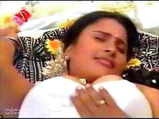 Telugu House Wife First Night Hot Bed Room Scene - Ci...