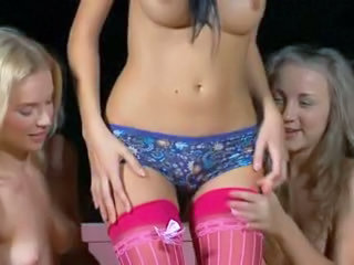 Midnight fun of three lesbian women Sex Tubes