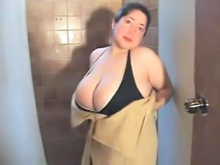 Showers Amateur BBW