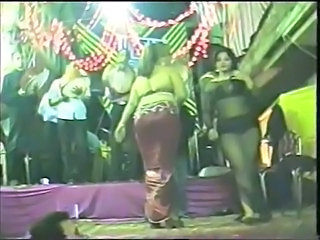 Party Dancing Public Amateur Arab Public