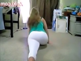 Booty Shake White Teen Gives Sp ... free