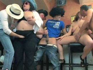 Party BBW Groupsex