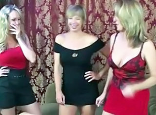 Multiple Mom And not her son Handjobs... IT4