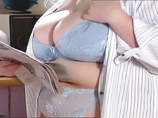 Lingerie MILF Natural
