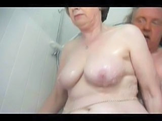 Older Chubby Natural Bathroom Bathroom Tits Granny Sex