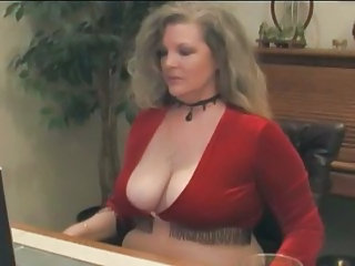 Chubby MILF Natural