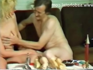 Guy And His Girlfriend Give Each Other Oralsex And P...
