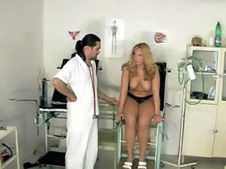 Blonde gets examined on gyno-...
