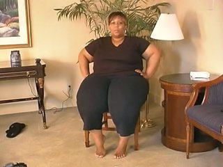 SSBBW Ebony Mom