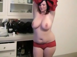 Dancing MILF Natural