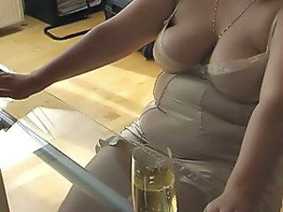 Mariella's footjob under glass table + cumshot