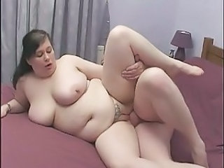 British BBW gets banged on a squeaky bed!
