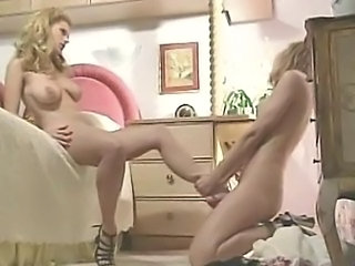 Carrie Jones and Goldie McHawn in 'Kerry's foot fantasies