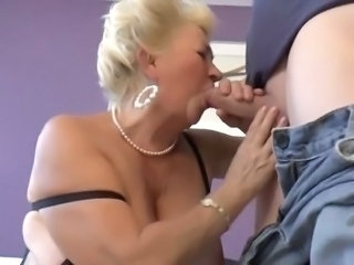 Blowjob Mom Old And Young Granny Young Old And Young Short Hair