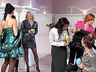 http%3A%2F%2Fwww.sunporno.com%2Ftube%2Fvideos%2F457460%2Fgorgeous-milfs-in-sexy-dresses-having-group-sex-at-party.html