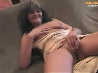 Amateur old and young group sex at home