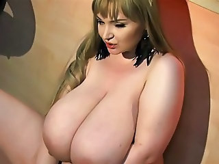 Masturbating BBW Big Tits