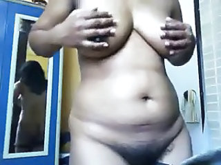 Hot Indian Aunty expose her Boobs , Pussy on CAM