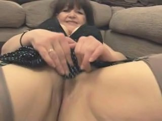 "Granny shows her pussy - 3"" class=""th-mov"
