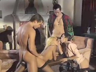 Dalila and Anita Blond  in gr...
