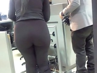 Incredible ass on this HOT Indian chick Part 2