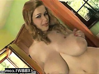 Natural Pornstar Saggytits